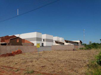 Dois terrenos 500 m² em frente à ucdb