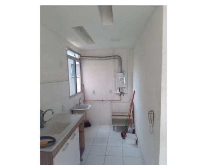 Apartamento 02 quartos prox. a estrada do mendanha