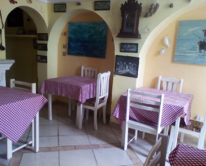 Restaurante em casa colonial no porto do rio pardo em canavi