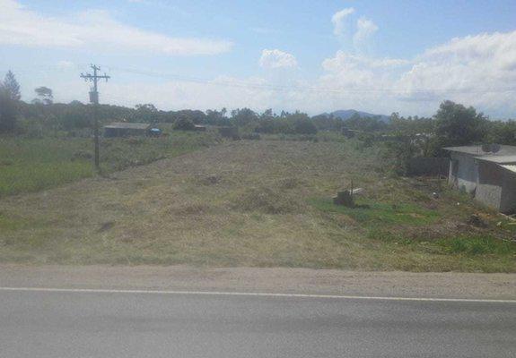 Terrenos plainos 5 mil de entrada ao lado da rodovia, a 5