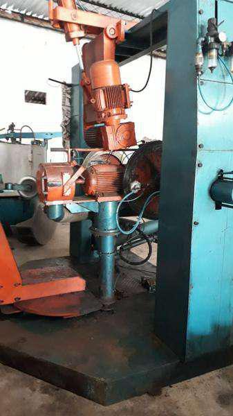 Autoclaves e máquinas para renovação de pneus agrícolas