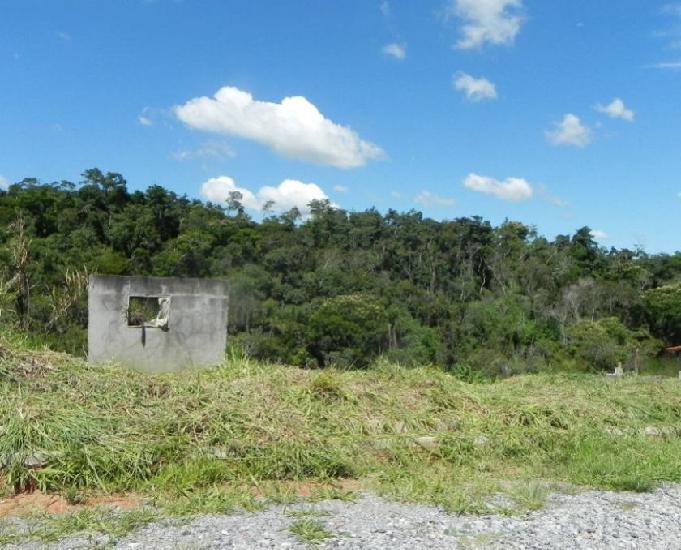 Terreno de 500 metros localizado no bairro canguera