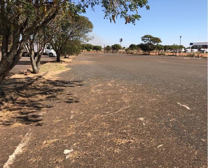 Rea asfaltada em frente à br 050