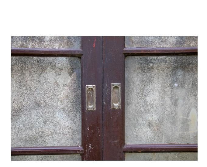 Vendo 02 jogos de janelas venezianas em madeira de