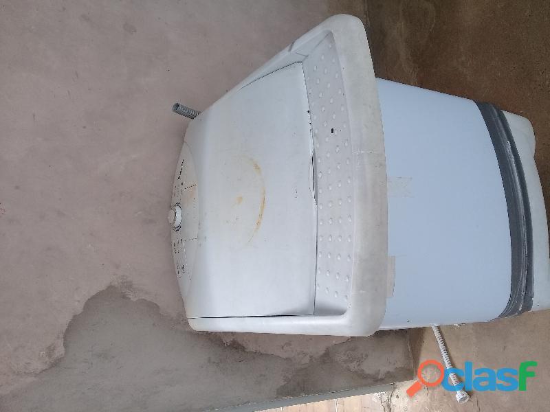 Tanquinho de lavar roupa usado 5kg