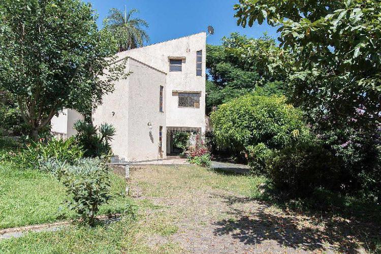 Casa, residencial sul, 2 quartos, 3 vagas