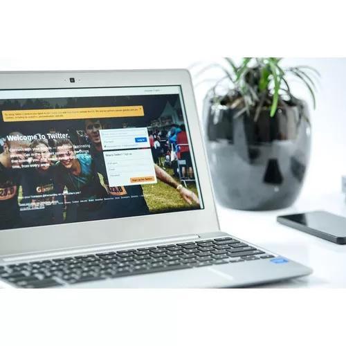 Promoção criação de site + hospedag