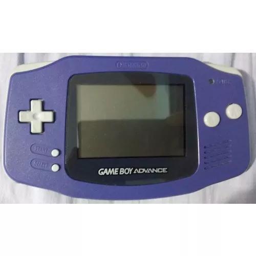 Game boy advanced na caixa com jogos