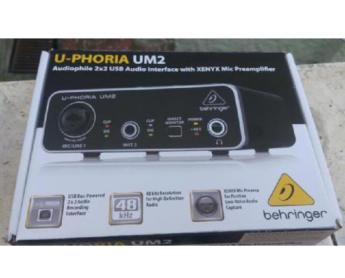 Placa de áudio usb fte gráti behringer u phoria um2 na