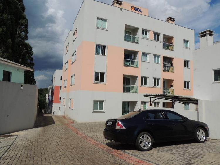 Apartamento semimobiliado para locação no Seminário