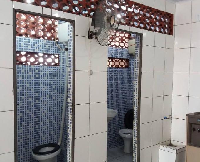 Salao comercial com 2 banheiros e cozinha completa