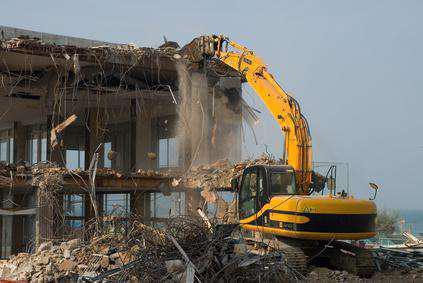Demolição casas e barracões