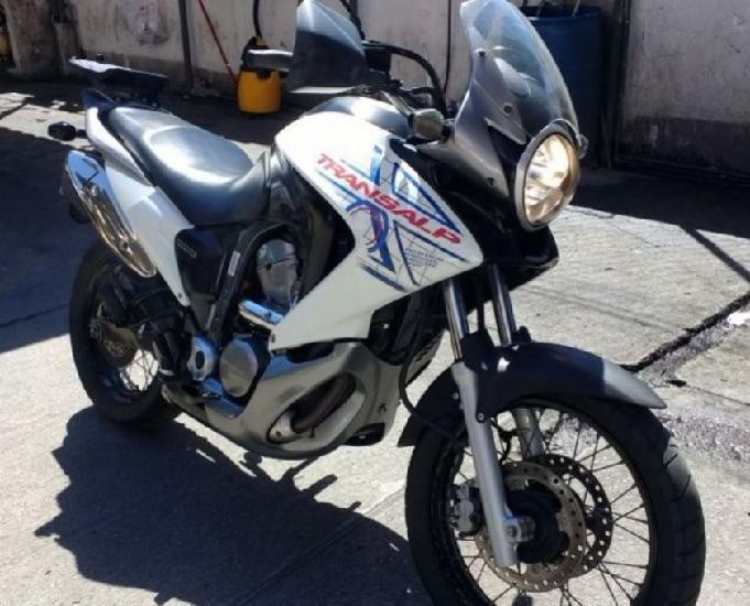 Honda transalp 700 2012 ipva 2019 pago novinha
