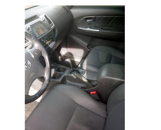 Toyota hilux cd 4x2 srv 2.7
