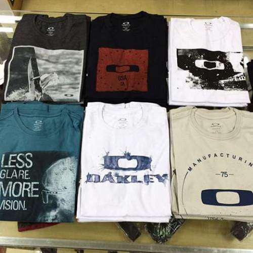10 camisetas surf especiais + 1 bermuda jeans de brinde
