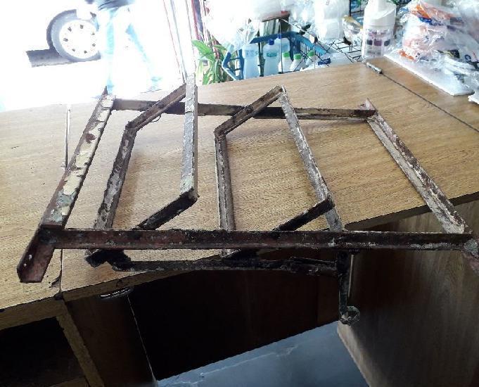 Vitrô de ferro basculante 1,00 x 1,00 - 9 vidros canelados