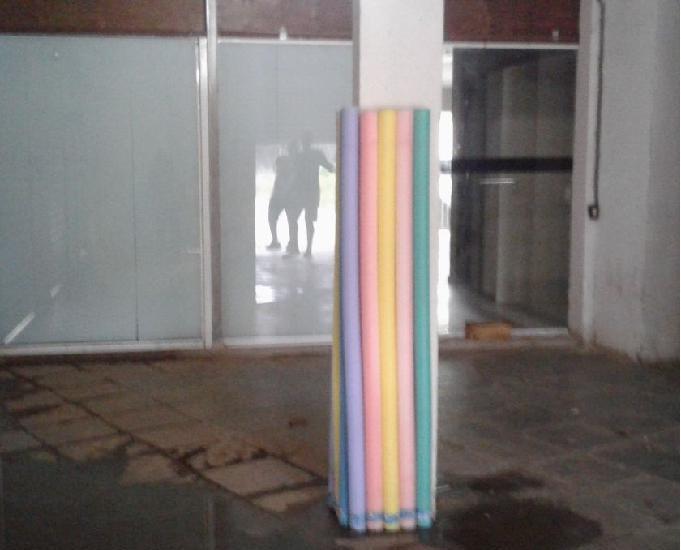 Alugo loja na Rodovia Rio Santos ao lado do Dom Zelitus