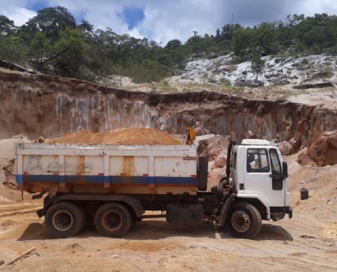 Caminhão ford cargo 2425 urgente