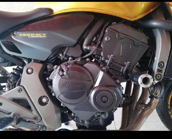 Moto hornet 2009