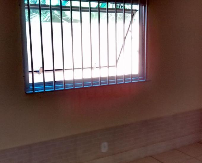 Alugo fixo casa 2 quartos área nobre da ogiva