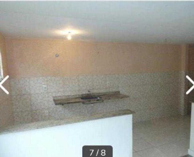 Alugo casa em araruama 1 quartos,sala,cozinha,banheiro 450.