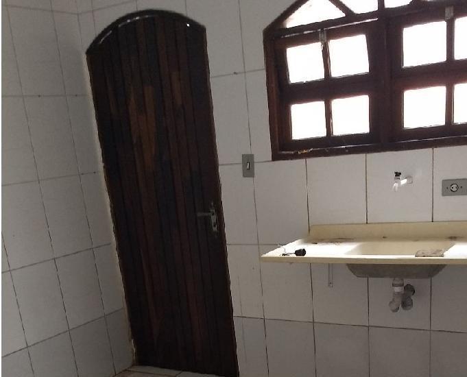 Casa 2dormit r$700,00 a 700mts da praia em mongaguá
