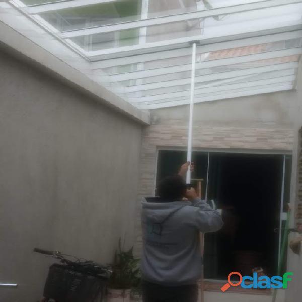 Cobertura de vidro retrátil