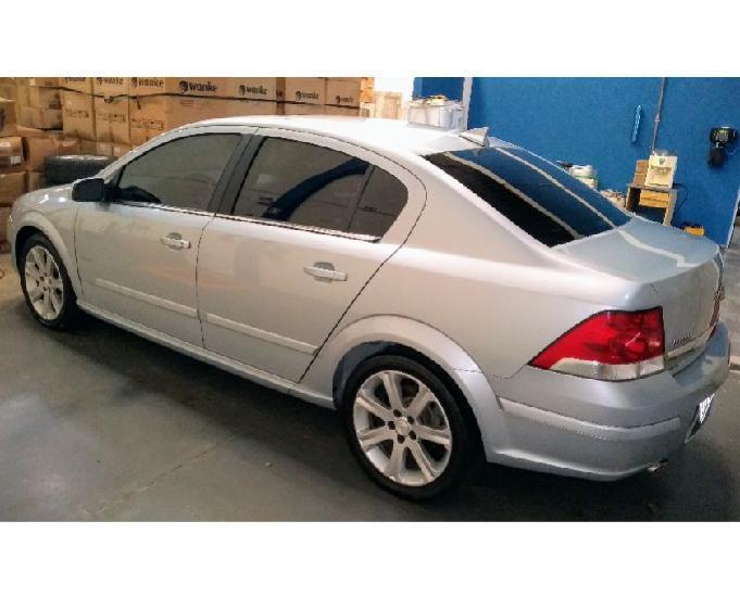 Vectra sedan elite 2.0 -20112011- prata r$34.191,00