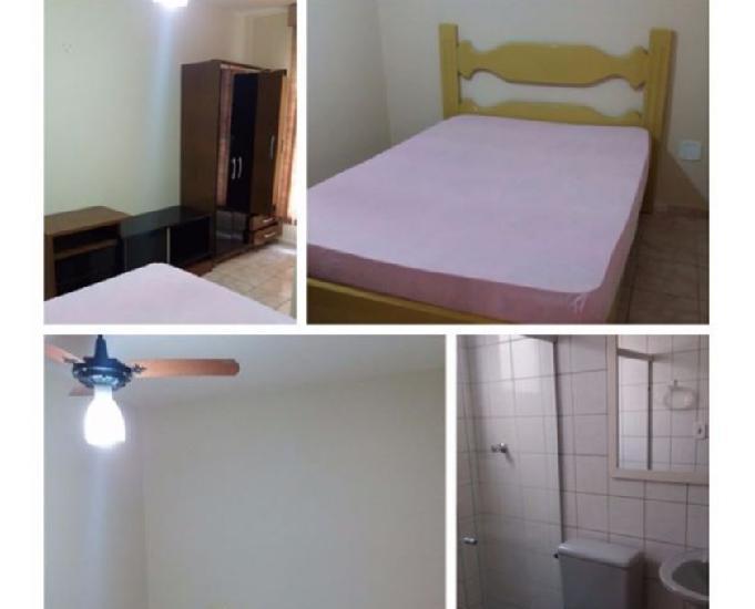 Apartamento e kitnet, 50 metros da praia.diária r$: 50,00