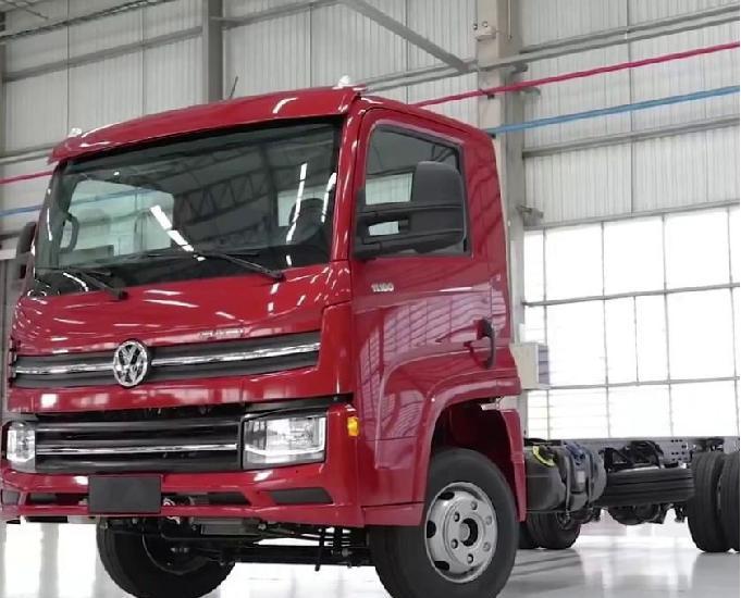 Caminhão volkswagen vw 9-170 com carroceria madeira ou