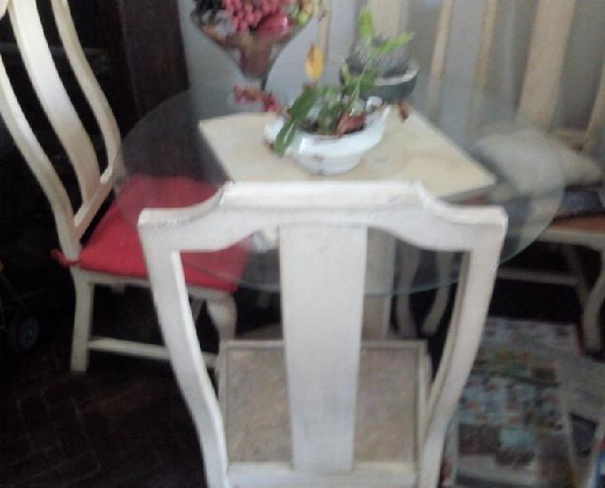 Mesa em madeira com tampo de blindex+4 cadeiras