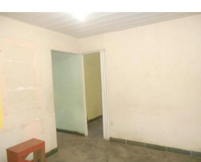 Stª maria - casa 2 quartos - 60m2 - churrasqueira - 1 vaga