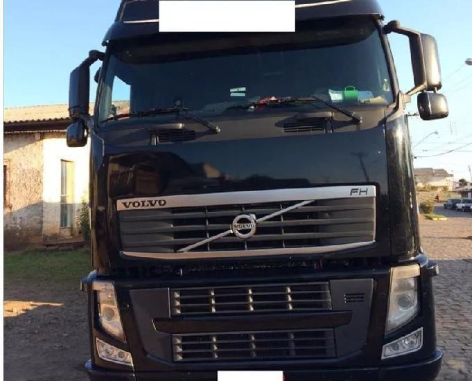 Volvo fh 520 8x2 c carreta graneleira ano 2014 guerra