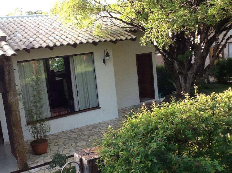 Casa em condomínio, condomínio jardins, 4 quartos, 2