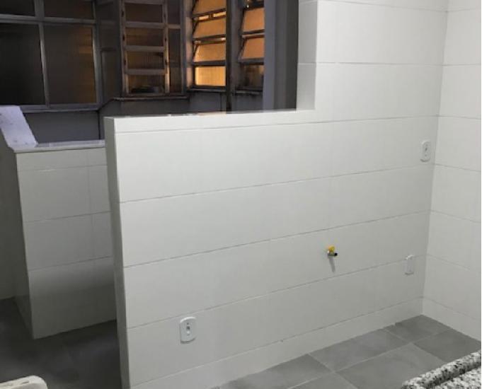 Apartamento três quartos uma suite