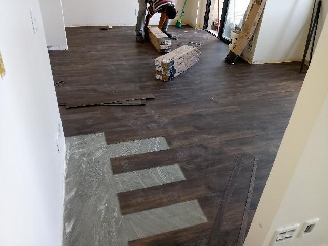 Instalador de pisos vinilicos e pisos laminados
