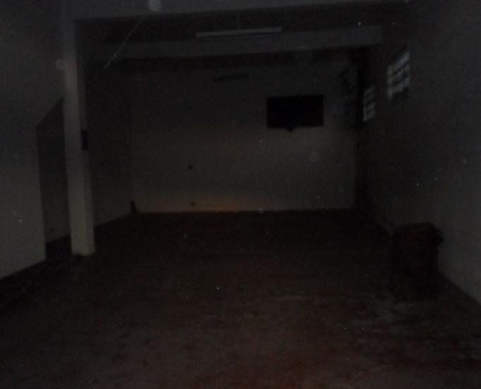 Salão comercial com residência