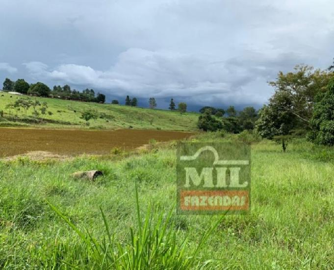 Chácara 7.7 alqueires (37,26 hectares) bela vista de goiás