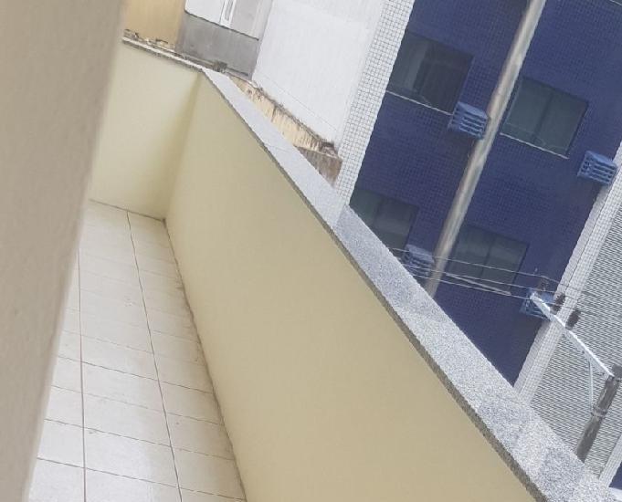 Apartamento (loft) a 30 mts da praia no calçadão