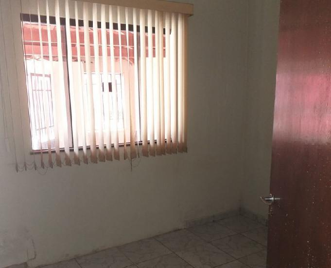 Vendo casa próximo a vila banco do brasil