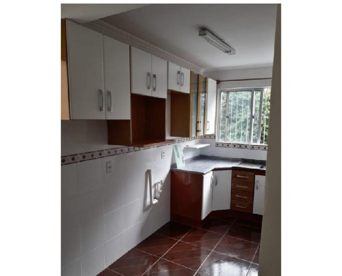 Apartamento dois dormitórios mobiliado.