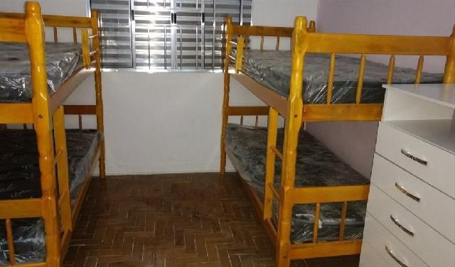 Alugo vagas em quartos compartilhado em pensão