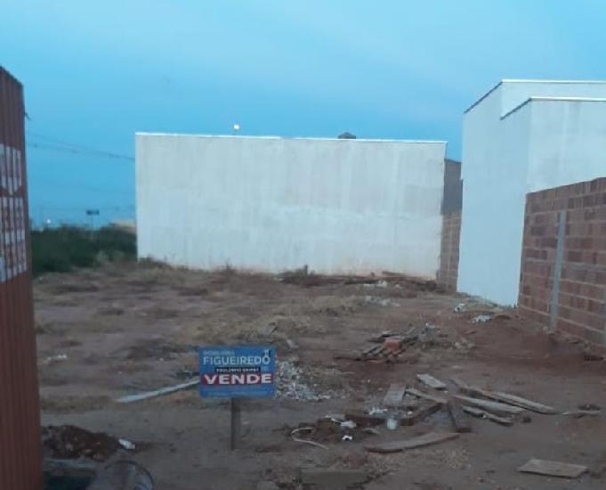 Terreno em bairro residencial em olímpia