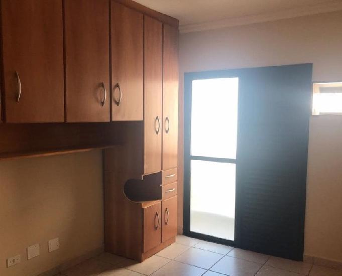 Apto 3 dormitórios bem localizado na vila guilhermina - pg