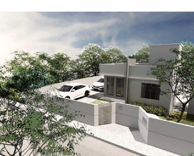 Casa individual nova situada menos de 10 minutos do centro