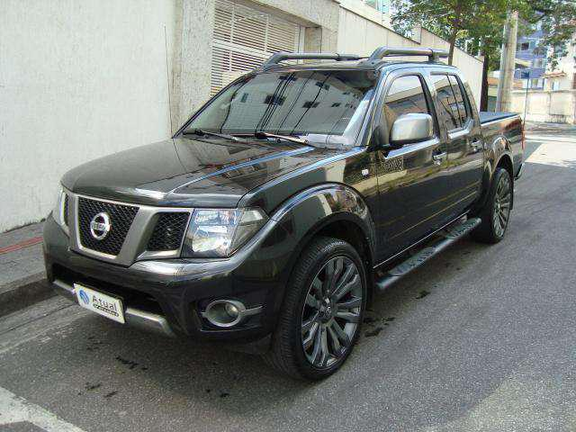 Nissan frontier sv at. cd 4x4 2.5 tb dies. aut.