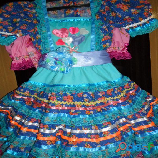 Vestidos caipiras para festas juninas