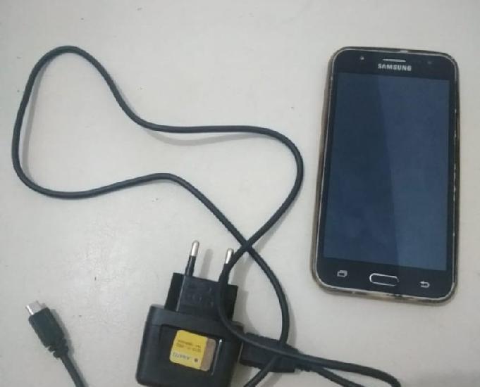 Galaxy j5 com capinha, carregador e cabo usb
