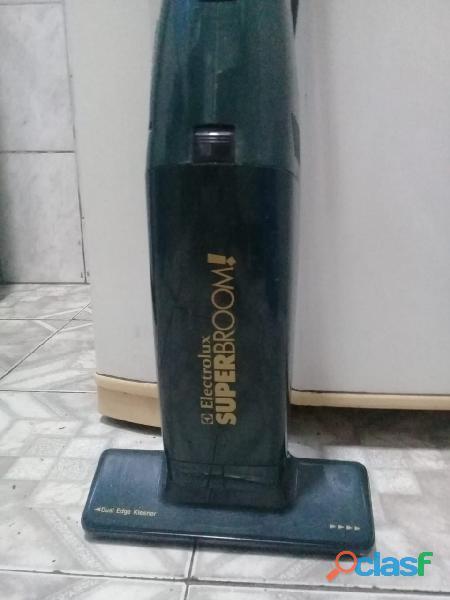 Aspirador de pó vertical electrolux
