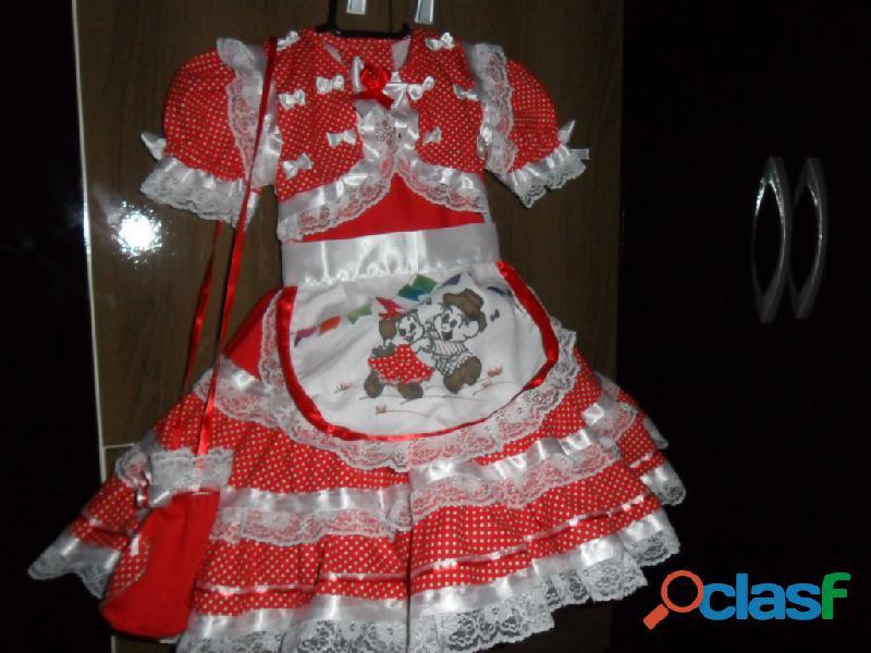 Lindos vestidos juninos,com acessorios